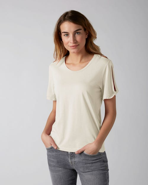 7 For All Mankind - T-Shirt Jersey Ecru W/Shoulder Split And Twist