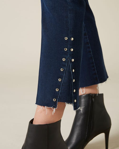 CROPPED BOOT SLIM ILLUSION CODE WITH STUDDED SIDE HEM